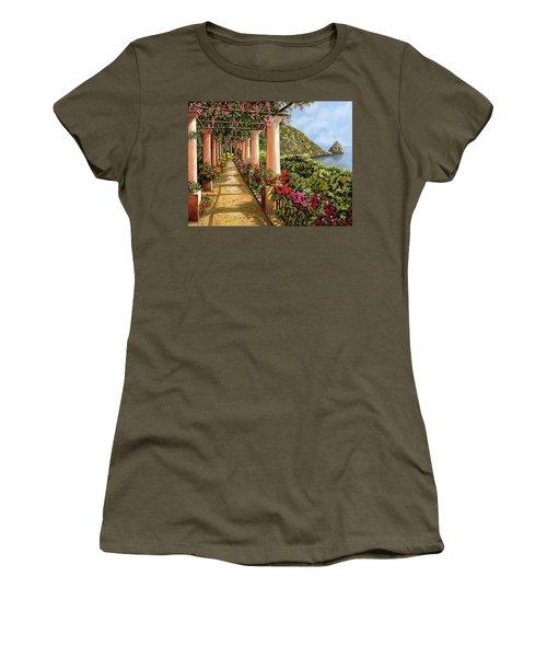 Altre Colonne Sul Golfo Women's T-Shirt