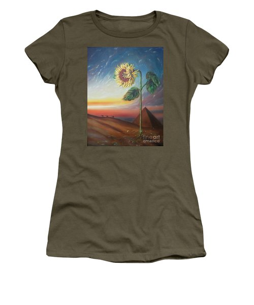 Blaa Kattproduksjoner              Ancient Energy Women's T-Shirt