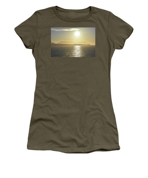 And The Sun Goes Down Women's T-Shirt
