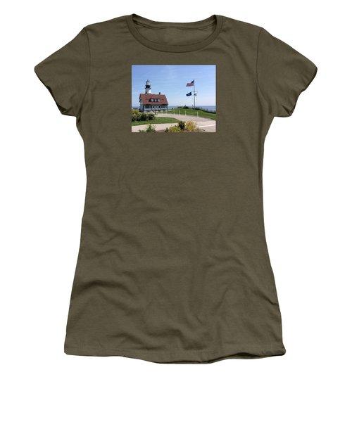 Portland Lighthouse ----- Edit Women's T-Shirt (Athletic Fit)