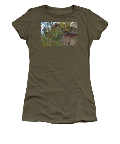 0001 - Annie's Barn I Women's T-Shirt