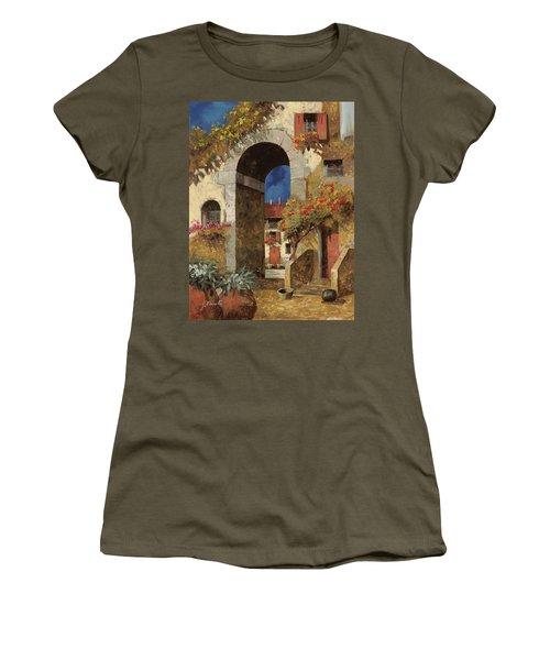 Arco Al Buio Women's T-Shirt