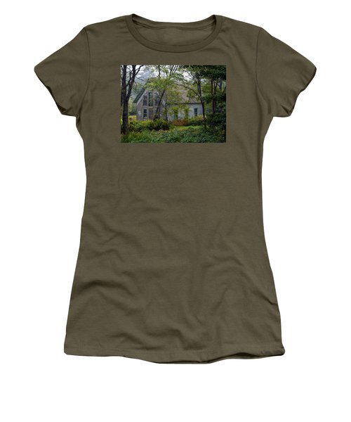 Artist Hideout Women's T-Shirt (Athletic Fit)