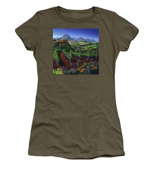 Quail Strolling Along Vineyard Wine Country Landscape - Vintage Americana Women's T-Shirt