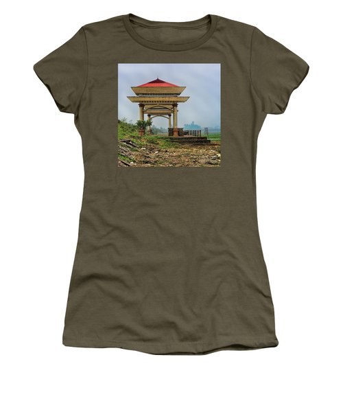 Asian Architecture I Women's T-Shirt (Athletic Fit)
