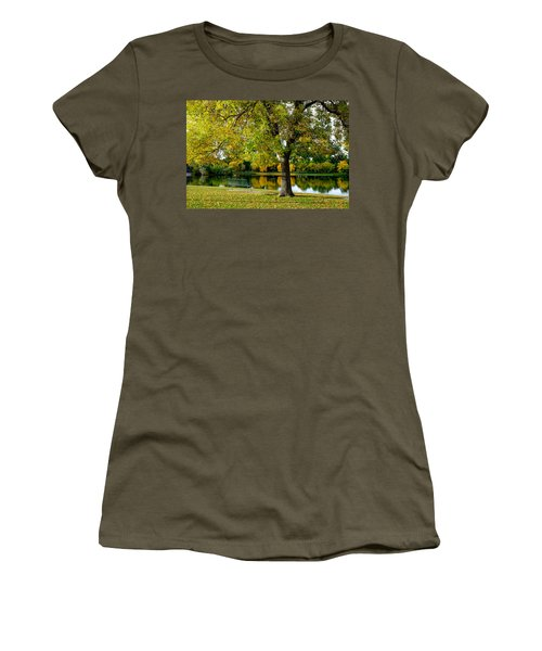 Autumn Repite Women's T-Shirt
