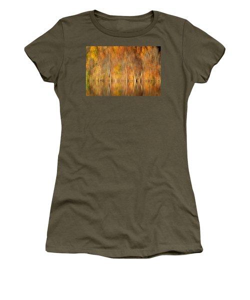 Women's T-Shirt (Junior Cut) featuring the photograph Autumns Final Palette by Everet Regal
