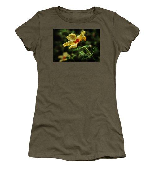 Az Poppy Women's T-Shirt