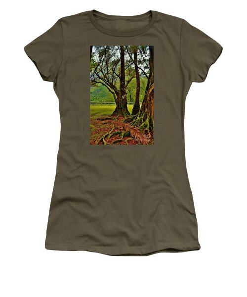 Banyan Tree And Date Palm Women's T-Shirt (Athletic Fit)