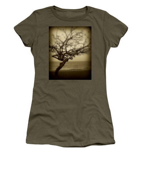 Beach Tree Women's T-Shirt (Athletic Fit)