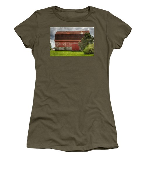 0005 - Big Red Iv Women's T-Shirt