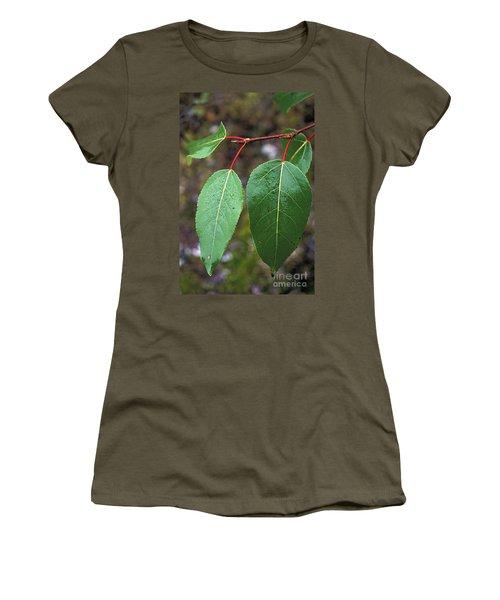 Black Cottonwood Leaves Women's T-Shirt