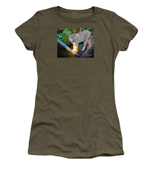 Bobcat Scanning The Water Women's T-Shirt (Athletic Fit)