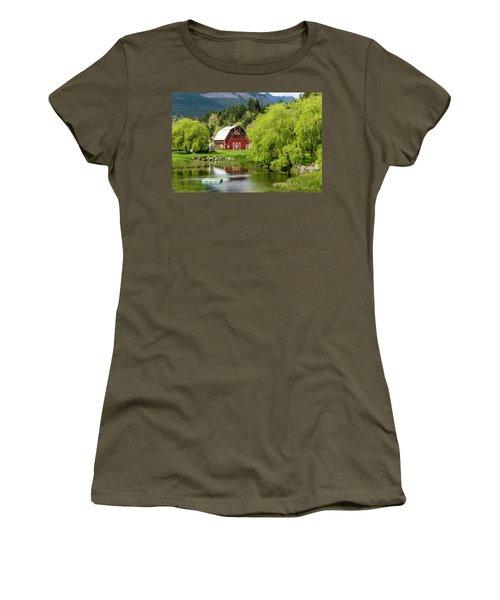Brinnon Washington Barn Women's T-Shirt