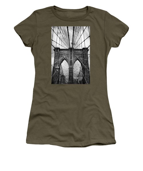 Brooklyn Bridge Mood Women's T-Shirt