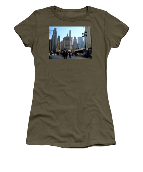 Bus On Miracle Mile  Women's T-Shirt