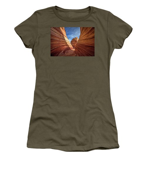 Canyon Atthe Wave Women's T-Shirt