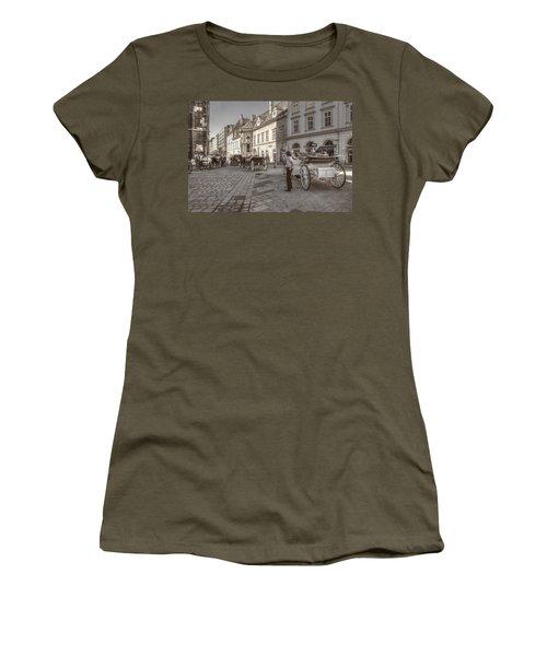 Carriages Back To Stephanplatz Women's T-Shirt