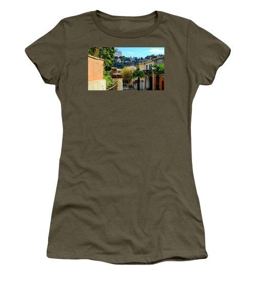 Cassis La Belle Women's T-Shirt