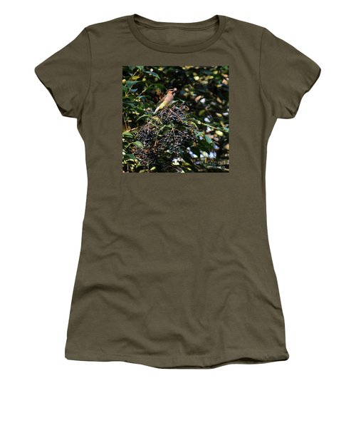 Cedar Wax Wing Women's T-Shirt (Athletic Fit)