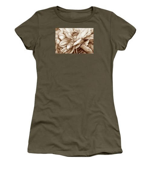 Chelsea's Bouquet 2 - Neutral Women's T-Shirt