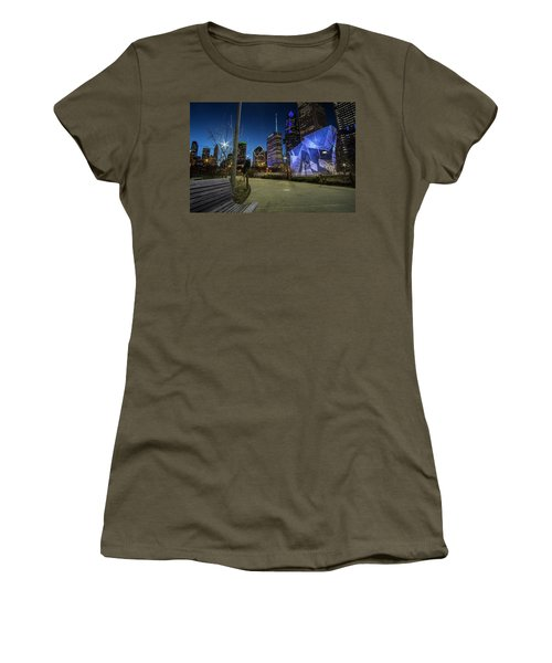 Chicago Skyline Form Maggie Daley Park At  Dusk Women's T-Shirt