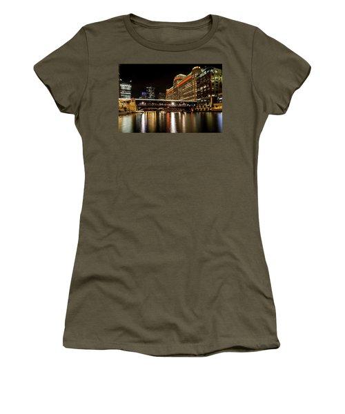 Chicago's Merchandise Mart At Night Women's T-Shirt