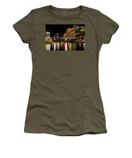 Chicago's Merchandise Mart At Night Women's T-Shirt