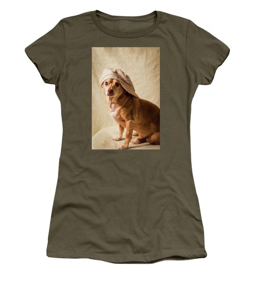 Chihuahua In A Newsboy Hat Women's T-Shirt (Athletic Fit)