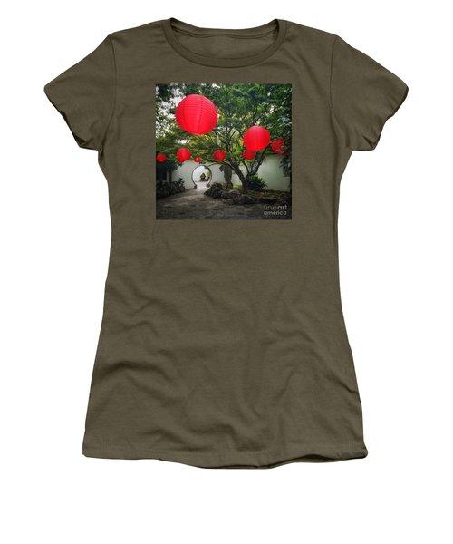 Chinese Tea Garden In Portland, Oregon Women's T-Shirt