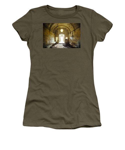 Church Ruin Women's T-Shirt (Athletic Fit)