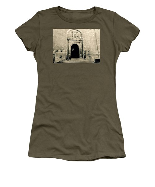 Churchdoor In Mahon Women's T-Shirt (Athletic Fit)