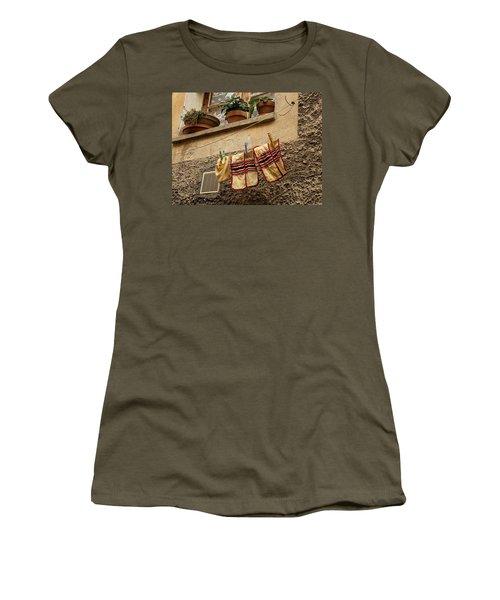 Clothesline In Biot Women's T-Shirt