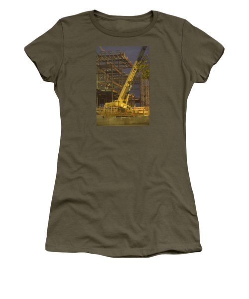 Craning And Working Women's T-Shirt