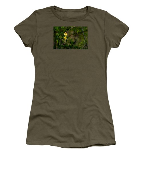 Daffodils Among The Green Women's T-Shirt (Athletic Fit)