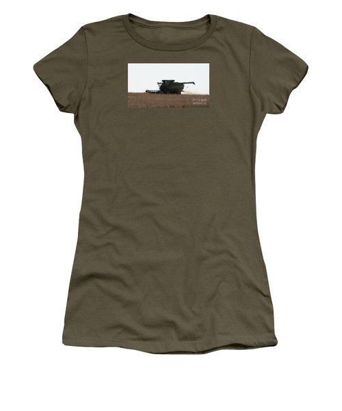 Deere Harvesting Women's T-Shirt (Athletic Fit)