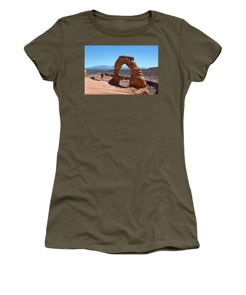 Delicate Arch Arches National Park Women's T-Shirt (Athletic Fit)