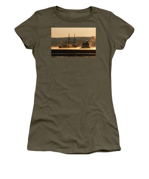 Departure Of El Galeon I Women's T-Shirt (Athletic Fit)