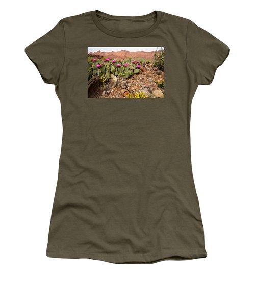Desert Cactus In Bloom Women's T-Shirt