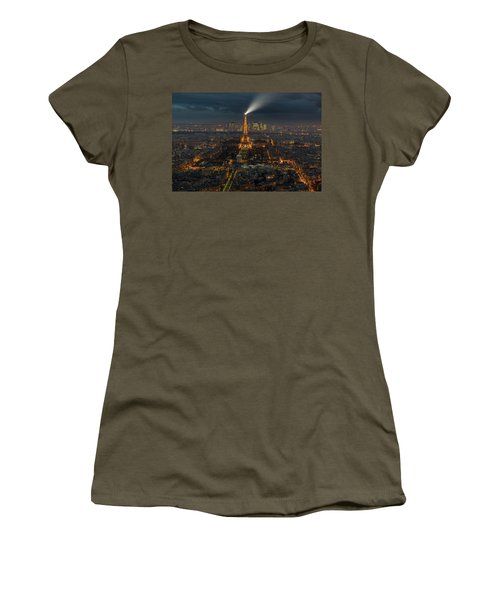 Didn't Know Paris Has A Skyline Women's T-Shirt (Junior Cut) by Alex Aves