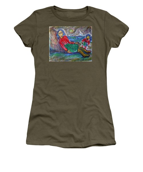 Dolls On The Beach Women's T-Shirt