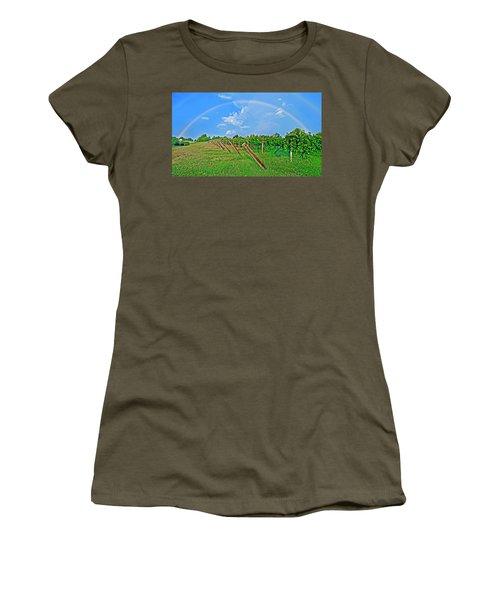 Double Rainbow Vineyard, Smith Mountain Lake Women's T-Shirt