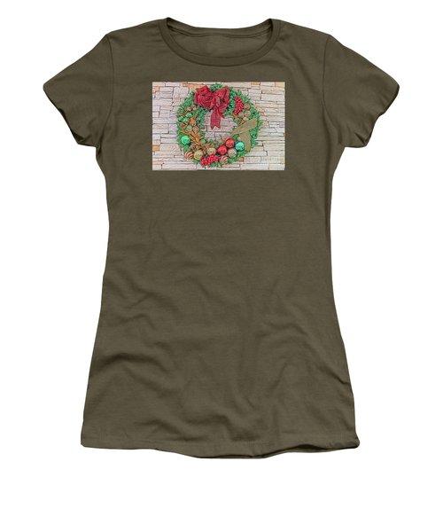 Dreamy Holiday Wreath Women's T-Shirt