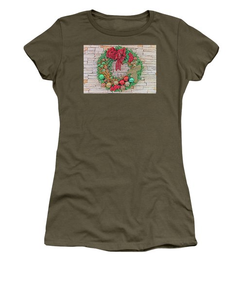 Dreamy Holiday Wreath Women's T-Shirt