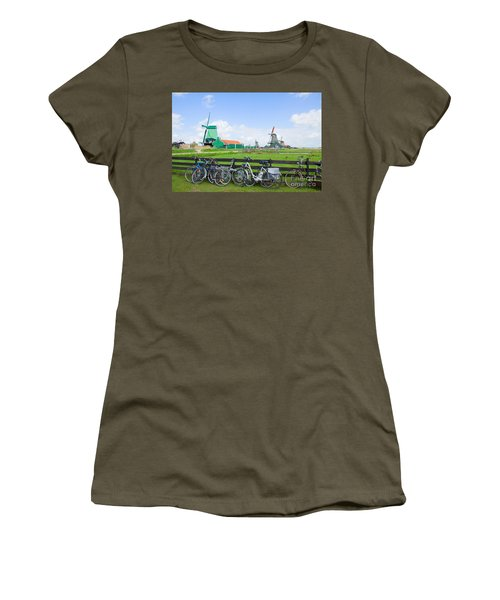 dutch windmills with bikes in Zaanse Schans Women's T-Shirt (Athletic Fit)