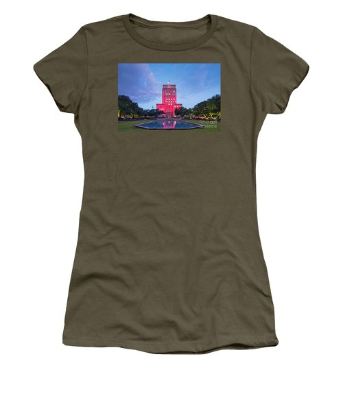 Early Dawn Architectural Photograph Of Houston City Hall And Hermann Square - Downtown Houston Texas Women's T-Shirt