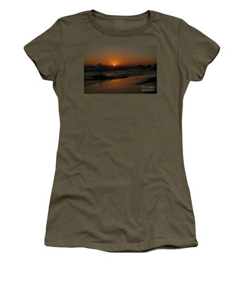 El Matador Sunset Women's T-Shirt (Athletic Fit)
