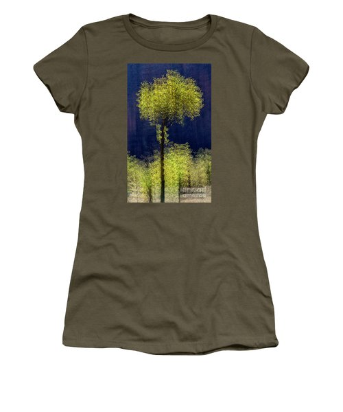 Elegance In The Park Vertical Adventure Photography By Kaylyn Franks Women's T-Shirt