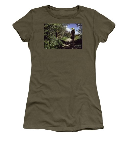 Eliza's Walk In The Countryside. Women's T-Shirt