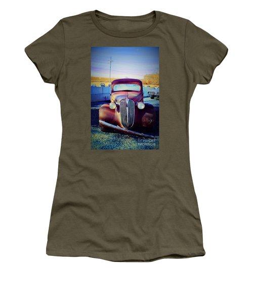 Facelift Wanted Car Women's T-Shirt